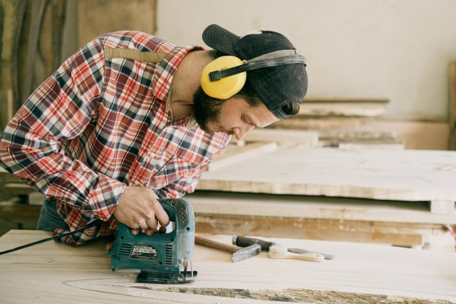 Roof Replacement vs Repair – The Solution